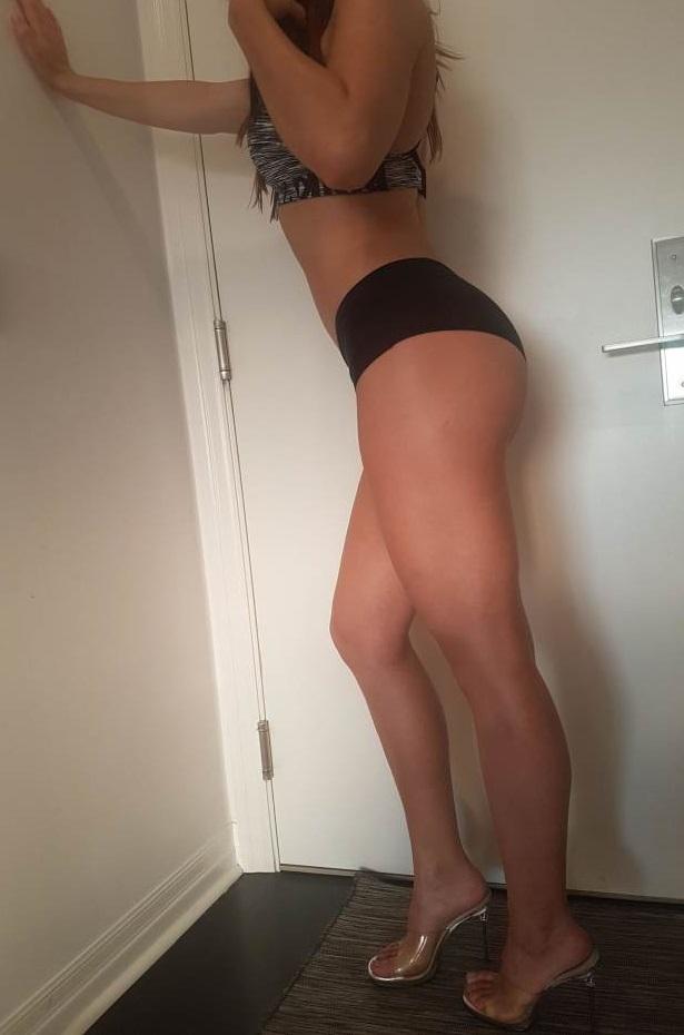 Ελληνίδα 23 ετών στο χώρο σου ή σε ξενοδοχείο - Image 2