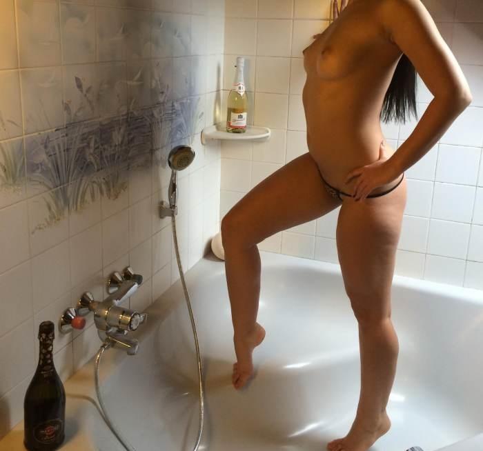 22χρονη Ελληνίδα Γυμνάστρια Βερόνικα 6973163508 - Image 1